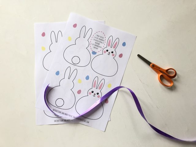 All you need to make this bunny garland is the printed files, scissors, tape and some wrapping ribbon or yarn.