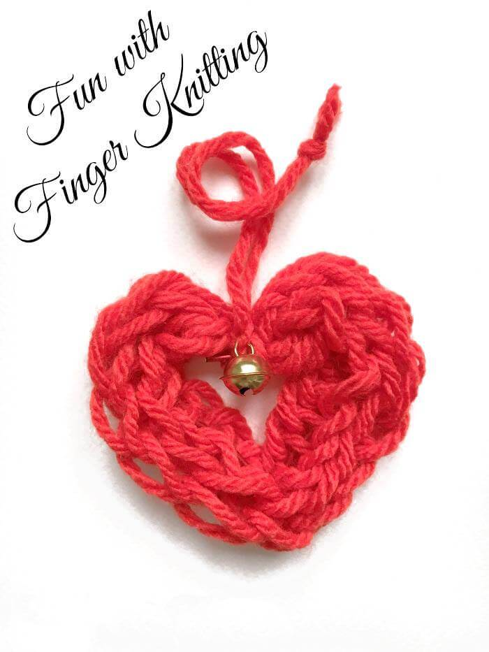 Finger knit these cute hearts with your kids