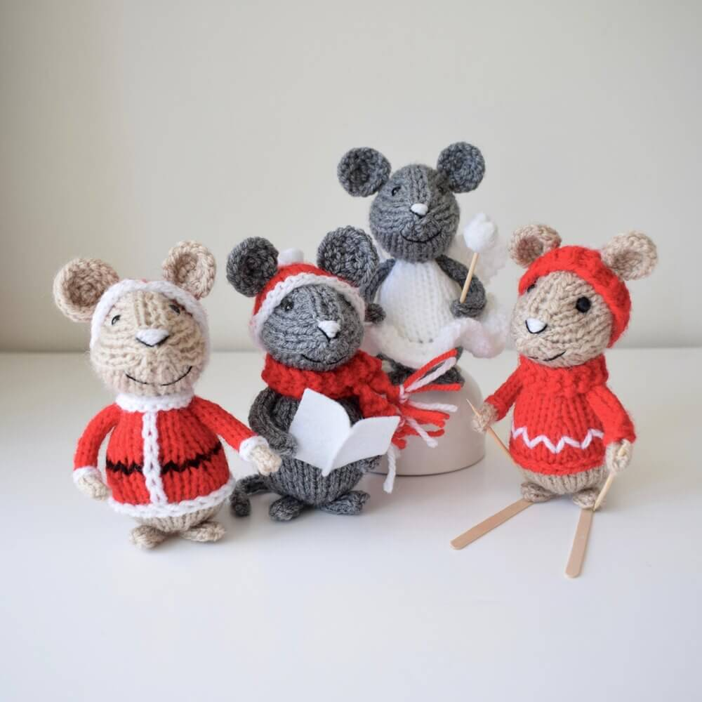 These festive mice is a Christmas yarn craft that you can enjoy for a long time.