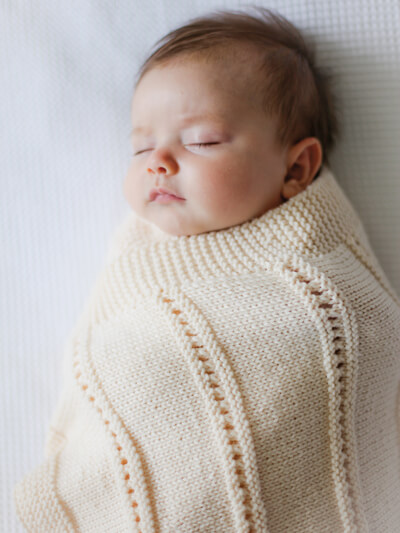 Peek a boo baby blanket knitting pattern