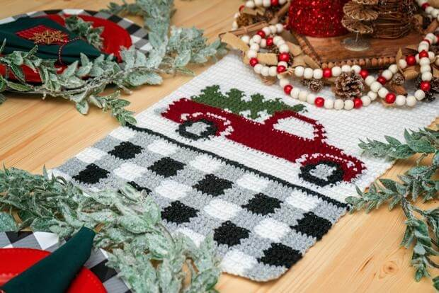 The Red Christmas Truck Table Runner from Annie's